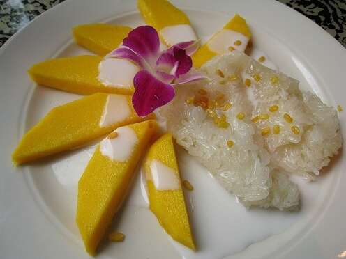 mangos and sticky rice